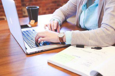 Iniziare un secondo lavoro da casa e creare una rendita online